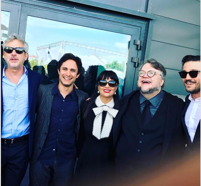 Alfonso Cuarón (izq.), Alfonso Cuarón, Salma Hayek, Guillermo del Toro y Diego Luna en Cannes