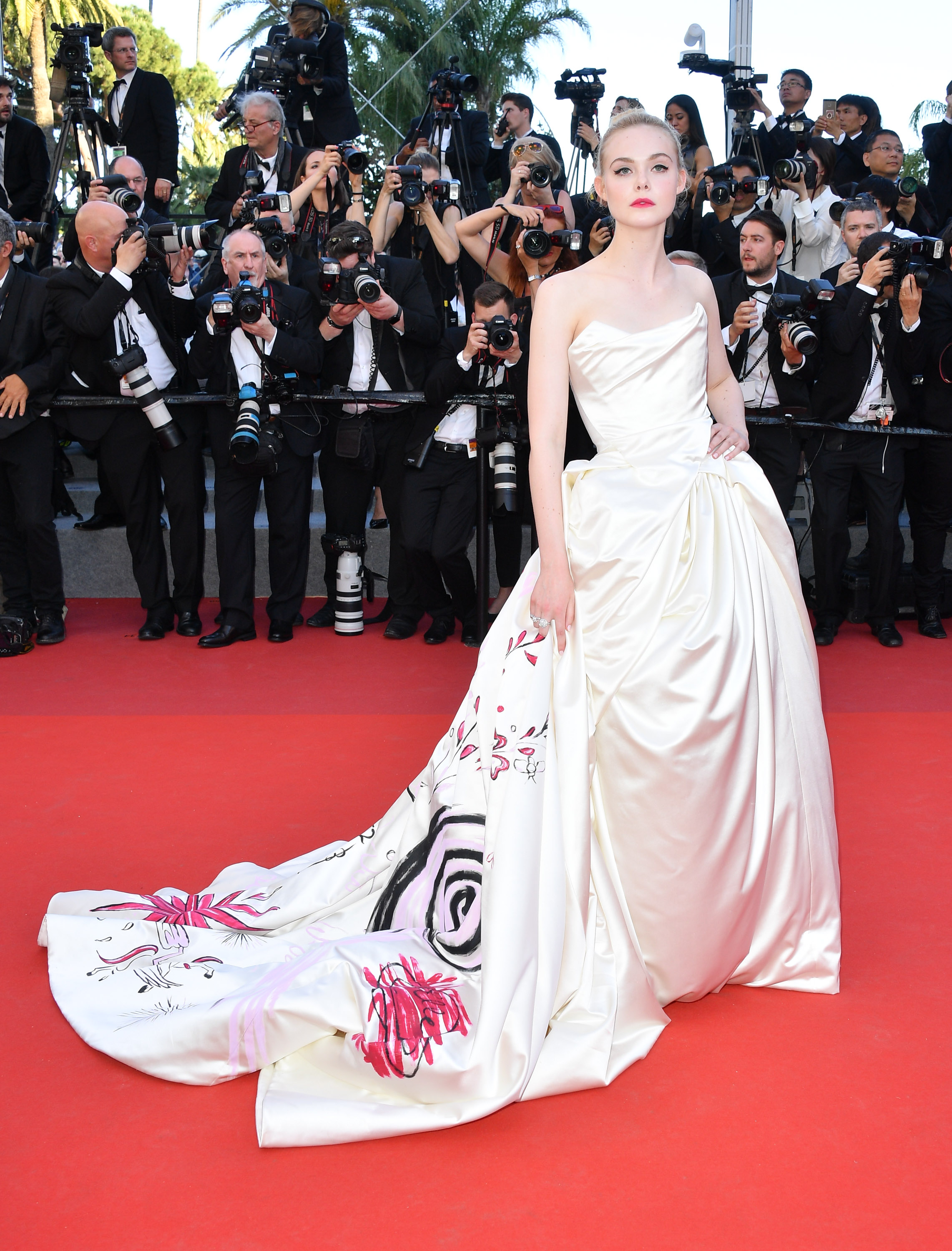 Elle Fanning, look, style, Cannes film festival, dress