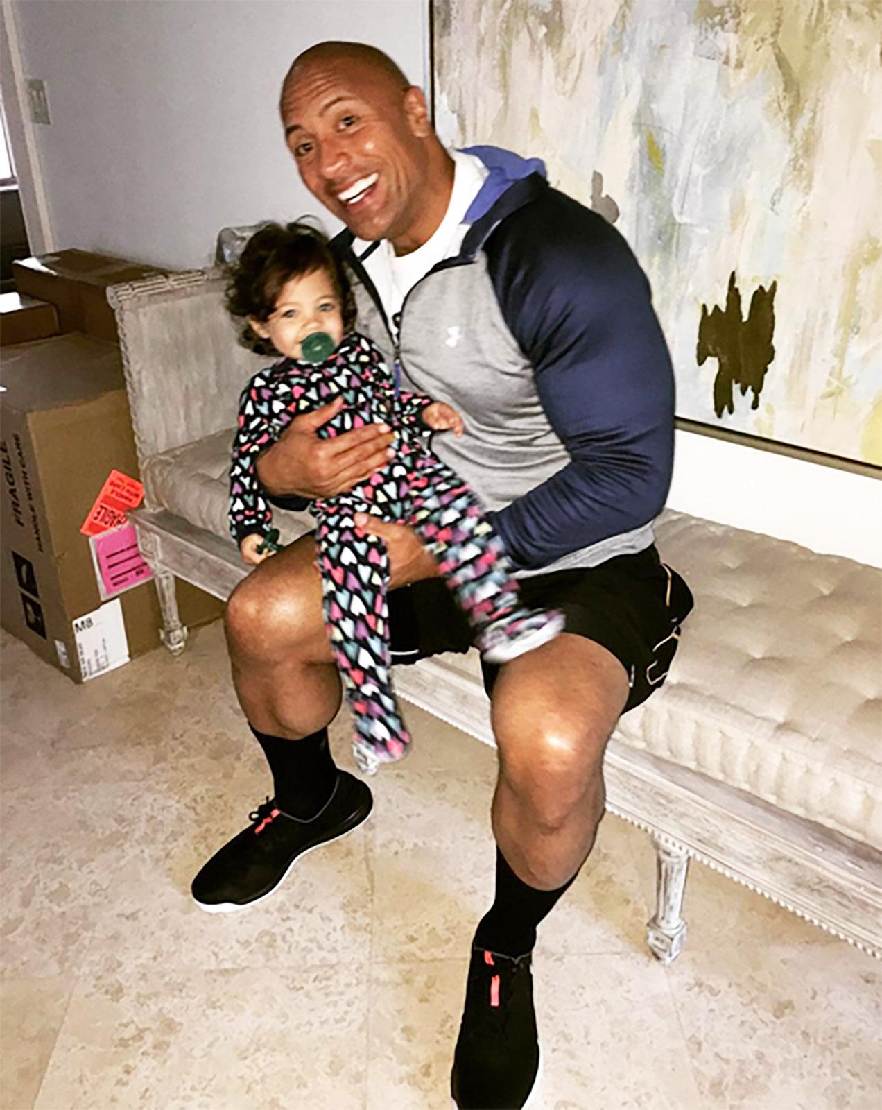 The Rock y su hija