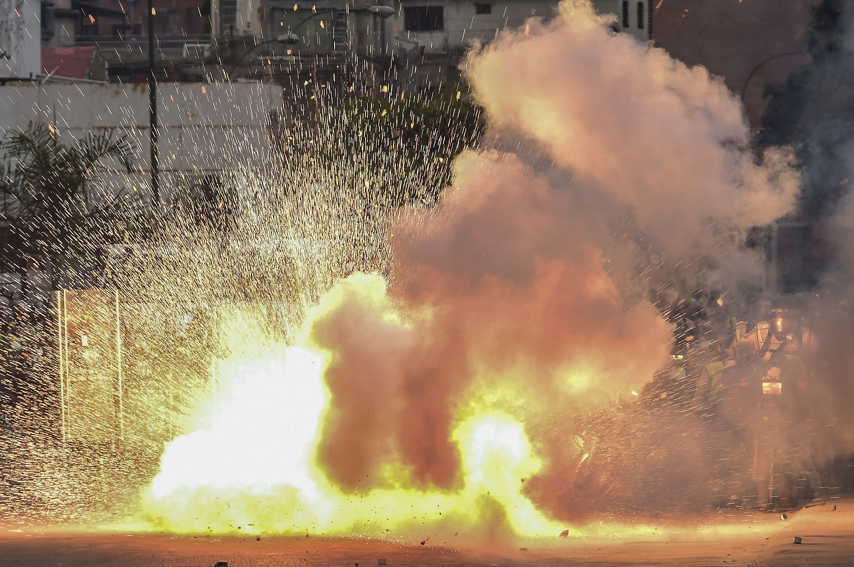 TOPSHOT-VENEZUELA-OPPOSITION-PROTEST