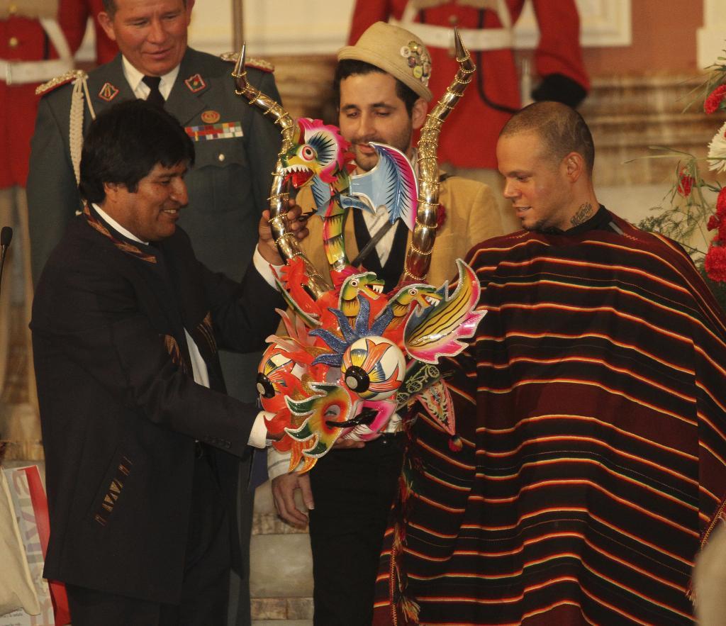 Calle 13, Evo Morales
