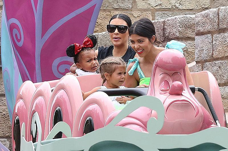 Kourtney Kardashian, Kim Kardashian, North West, Penélope Disick, Míralos