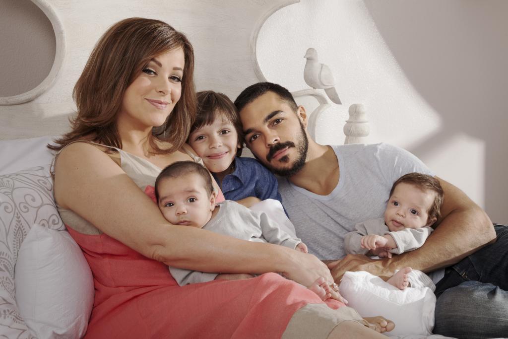 Shalim Ortiz, Lesley Ann Machado, y sus hijos