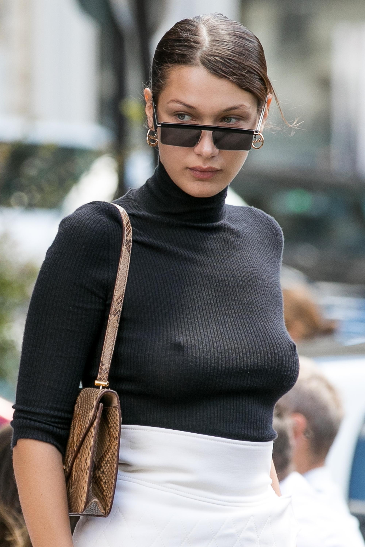 Bella Hadid, pecho, pezón, brasier