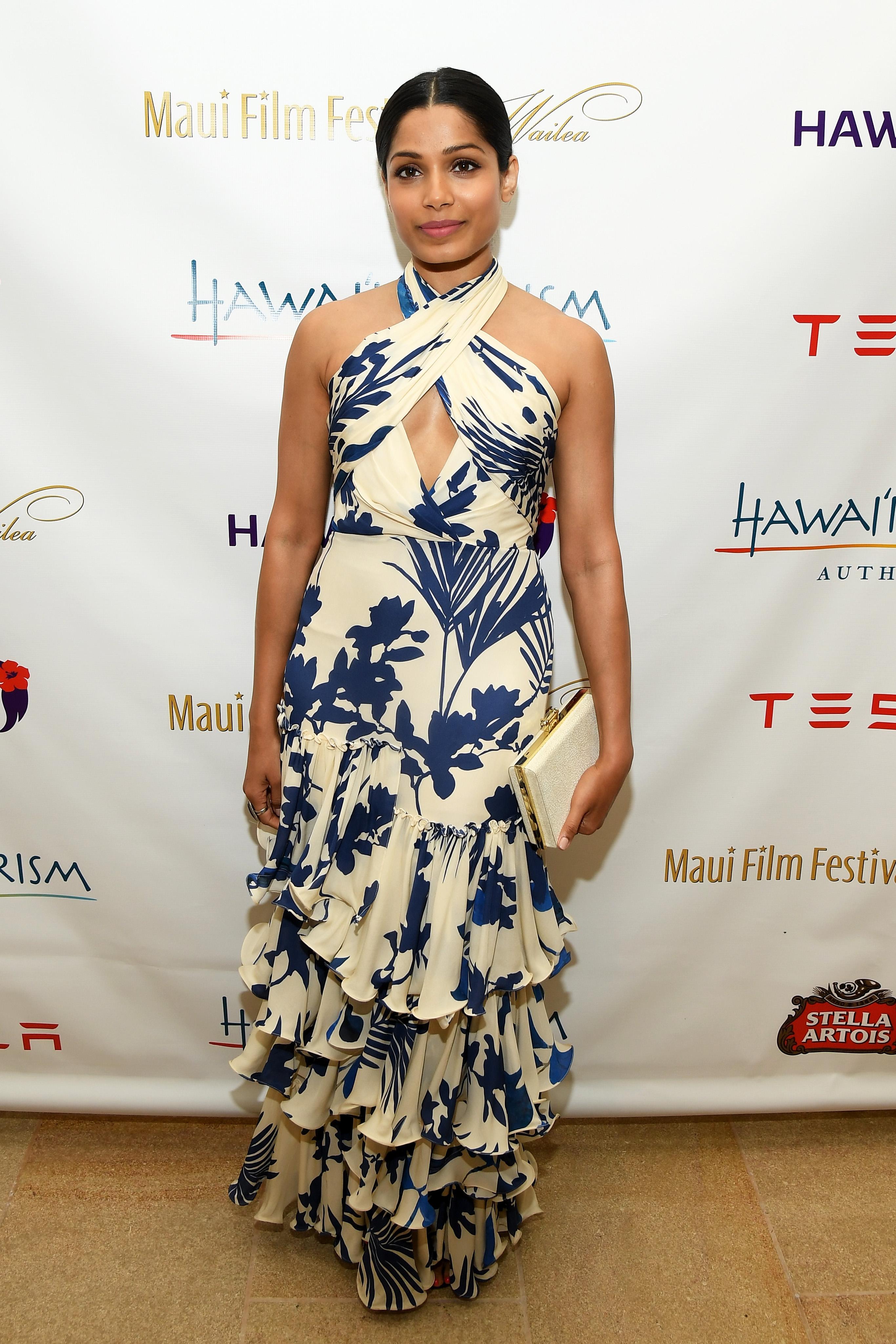 Freida Pinto, looks, estilo, style