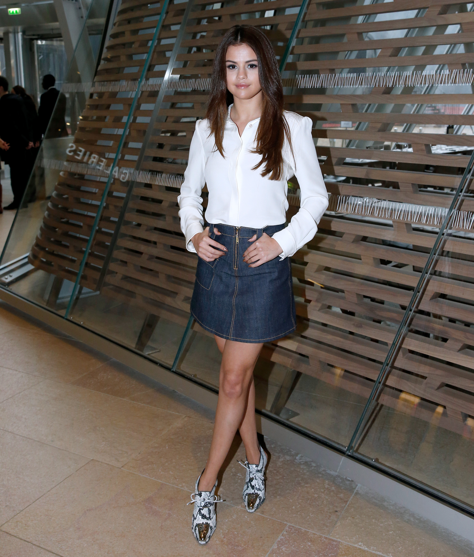 Selena Gomez, denim skirt, falda de mezclilla, verano, trend