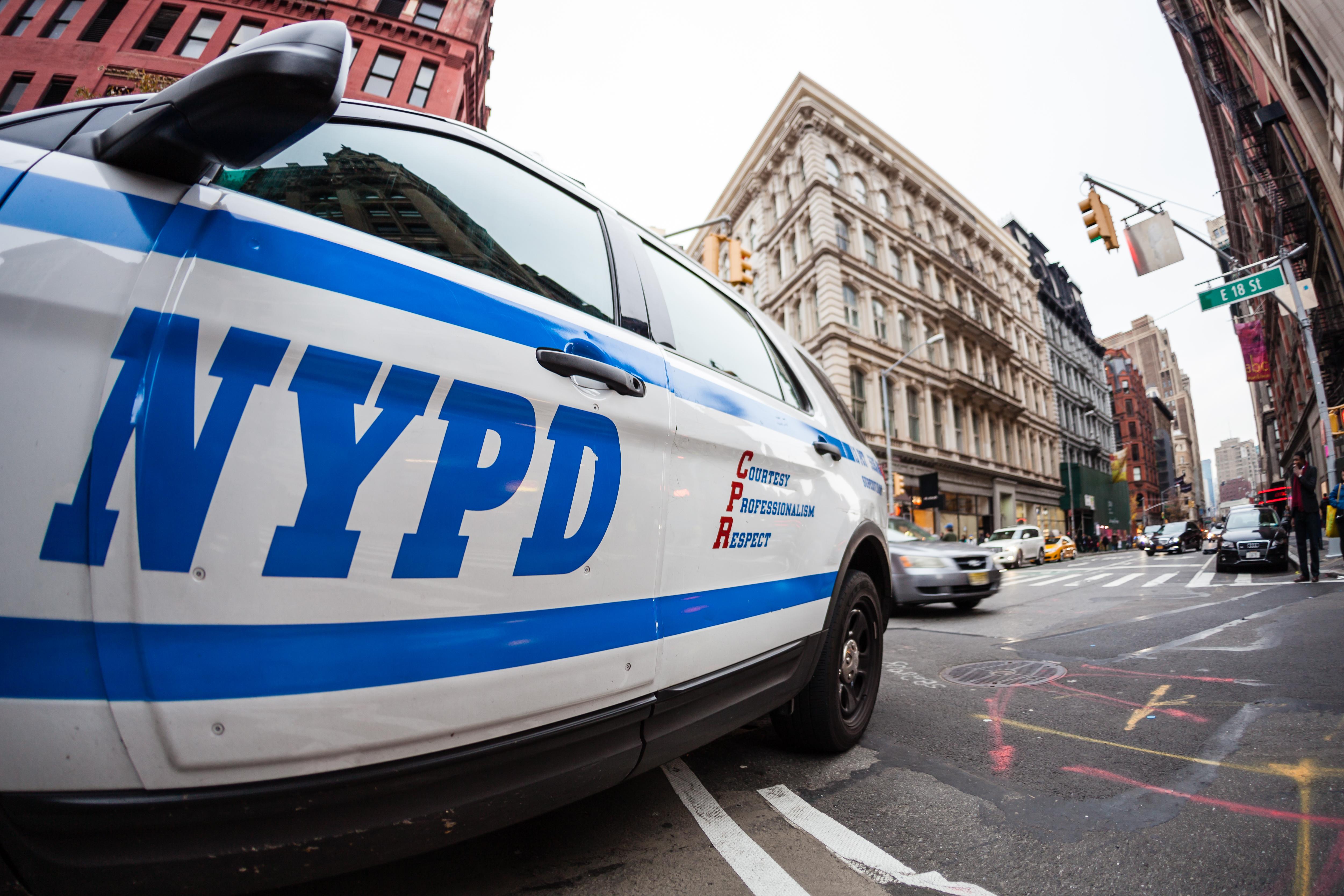 Asesinan agente de policía de Nueva York sin mediar palabra