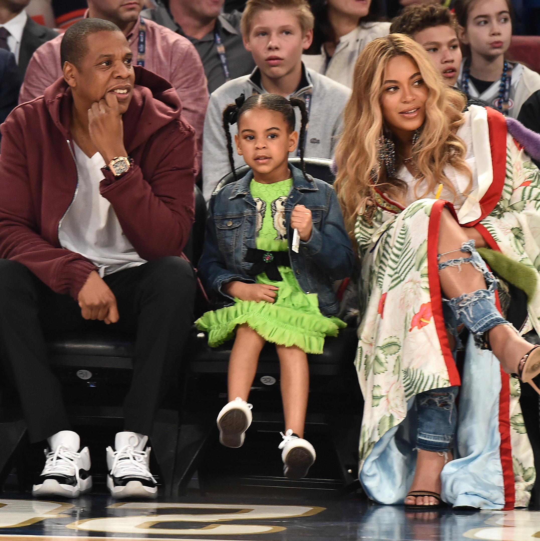 Blue Ivy con sus padres Jay Z y Beyonce