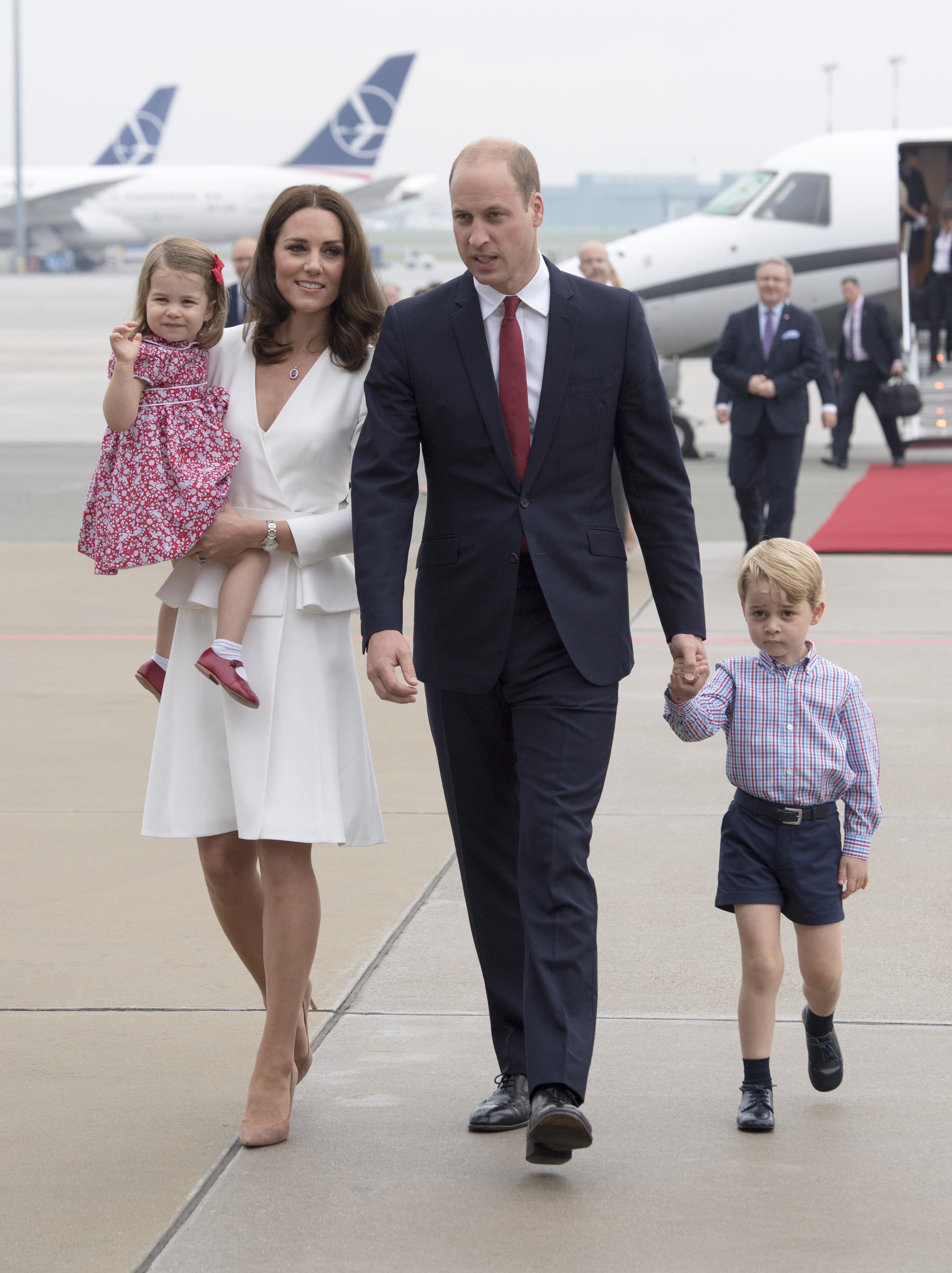 Príncipe William, Kate Middleton, Príncipe George y princesa Charlotte Príncipe William, Kate Middleton, Príncipe George y princesa Charlotte, estilo, moda, realeza, kate middleton