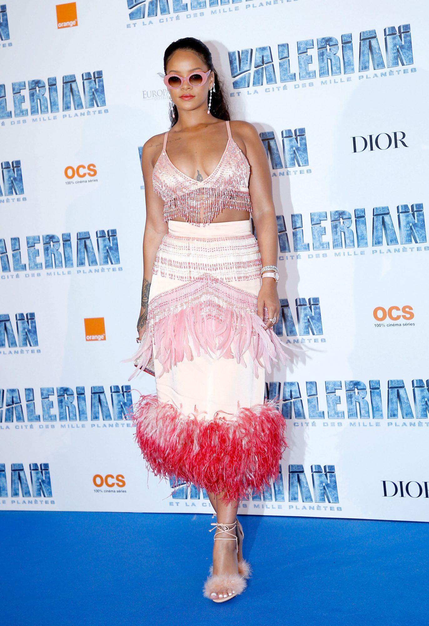 Rihanna, Paris, pelicula, premier, primera dama, francia, primer ministro, look, sexy