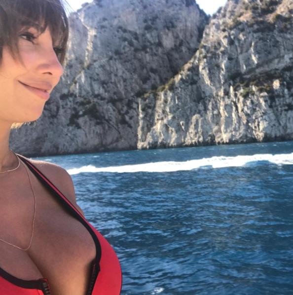 jackie cruz, pecho, cleavage, senos, sexy, fotos