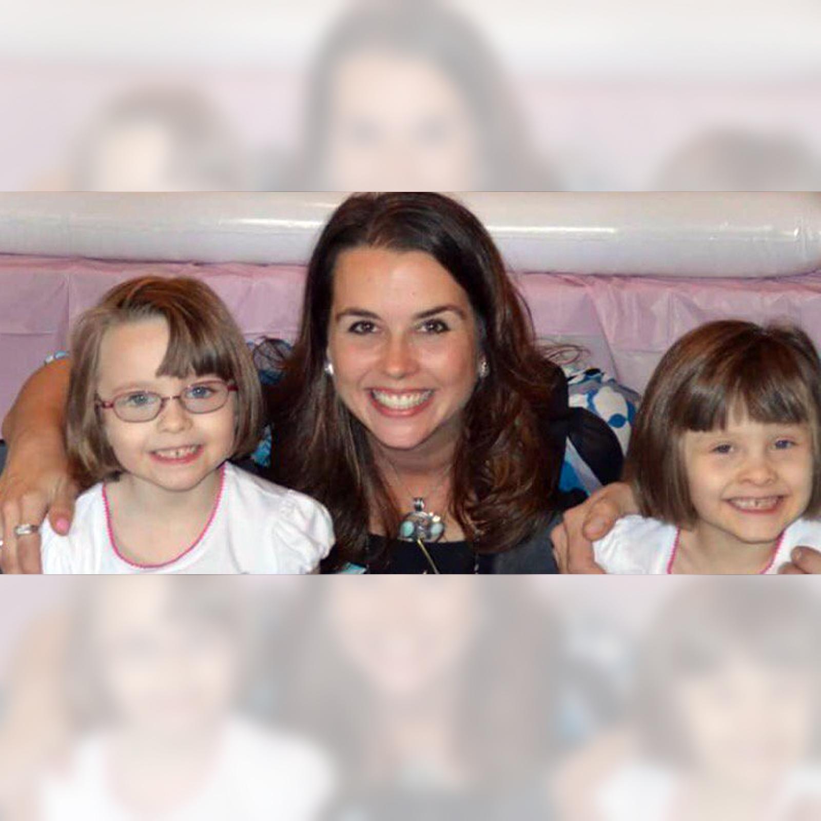 Celisa Henning y sus hijas Makayla y Addison