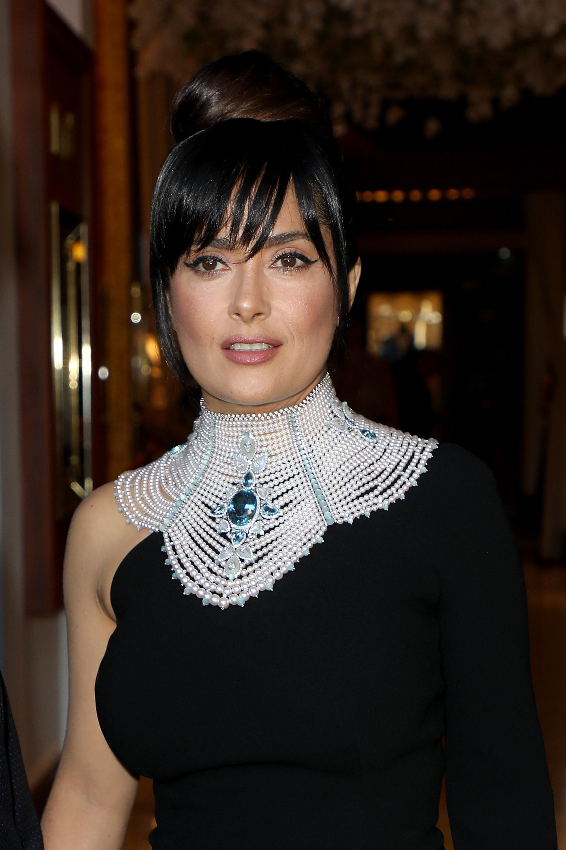 Salma Hayek, top knot, hair style