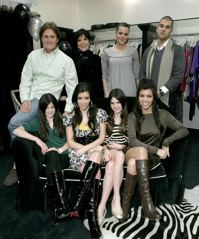 Los Kardashians: Bruce Jenner, Kris Jenner, Khloe Kardashian, Robert Kardashian Jr., Kendall Jenner, Kim Kardashian, Kylie Jenner y Kourtney Kardashian