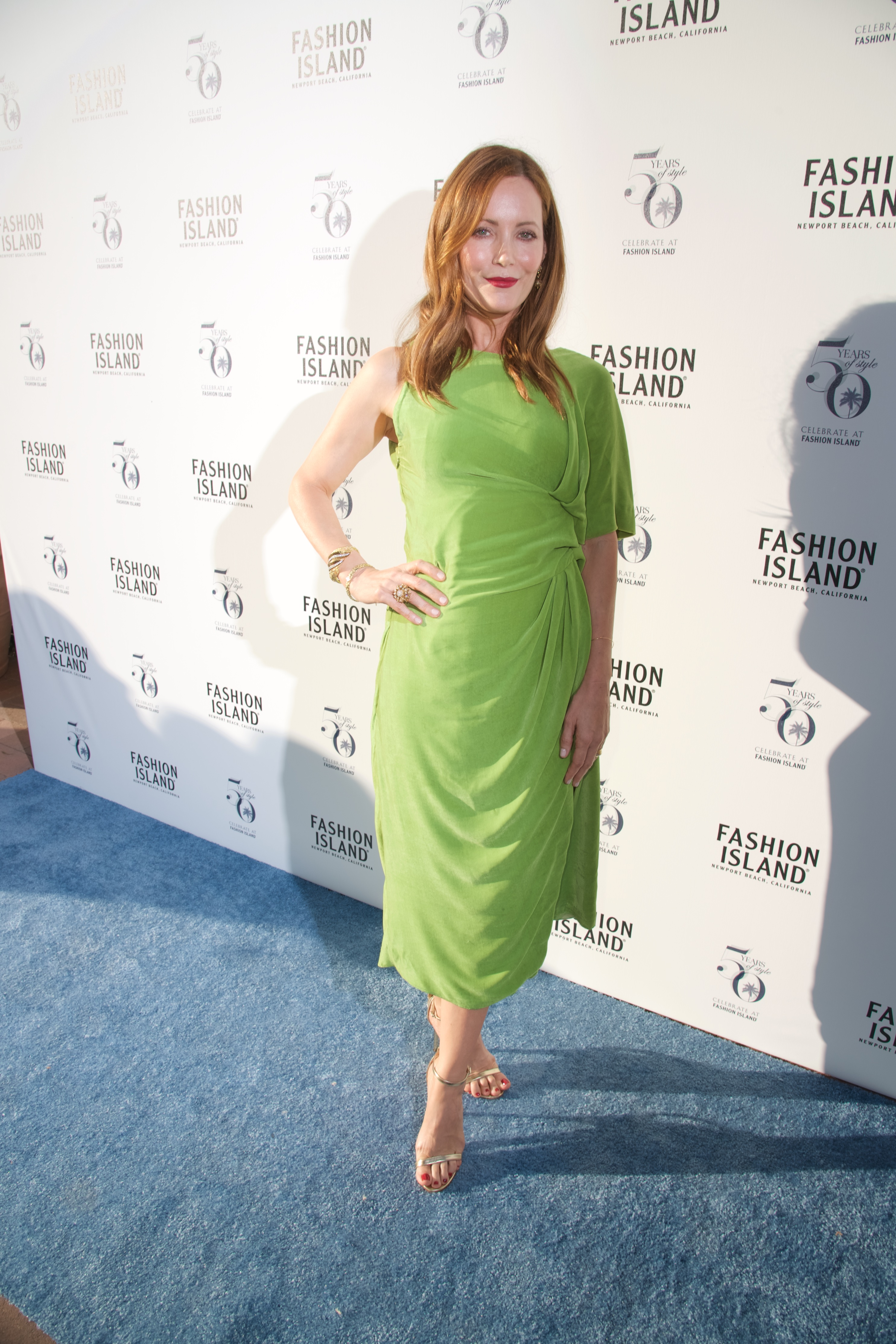 Los Angeles Confidential Celebrates Fashion Island's 50th Anniversary with Cover Star Leslie Mann