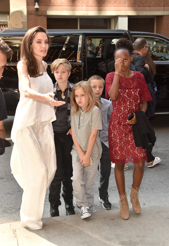 Angelina Jolie, Shiloh Jolie-Pitt, Shiloh Jolie-Pitt, Knox Leon Jolie-Pitt, Zahara Jolie-Pitt