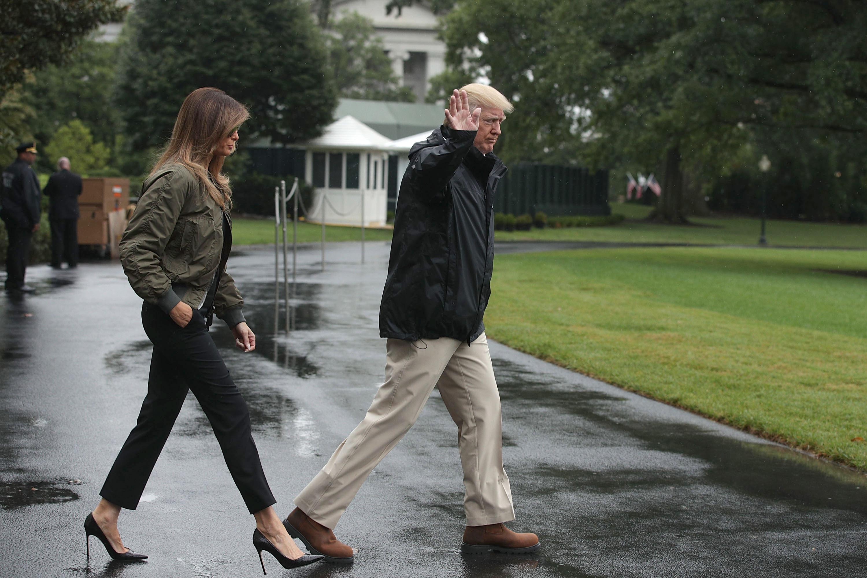 Melania Trump, tacones, zapatos, criticas, texas, huracan, harvey