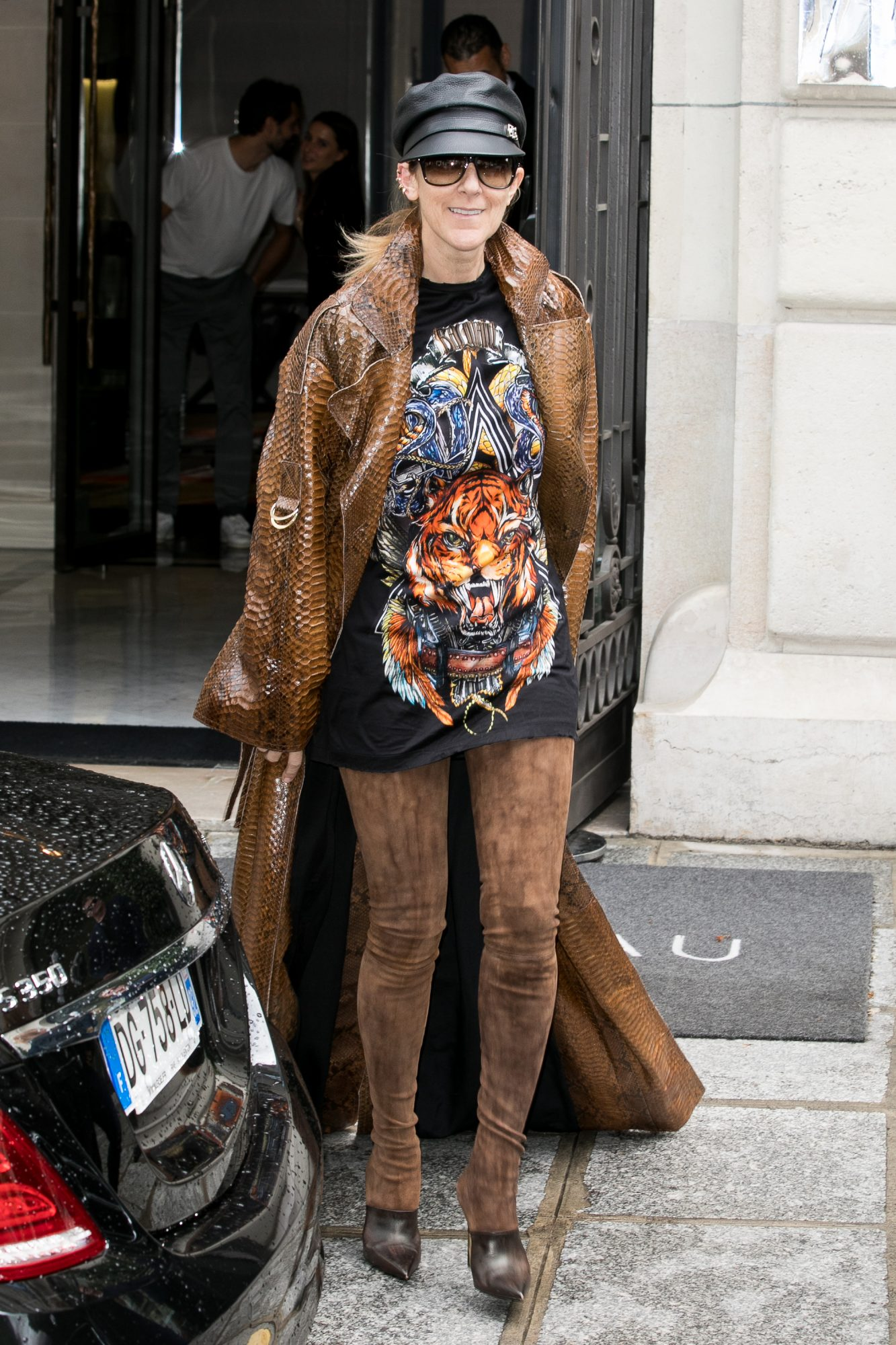 Celine Dion, Looks, Paris