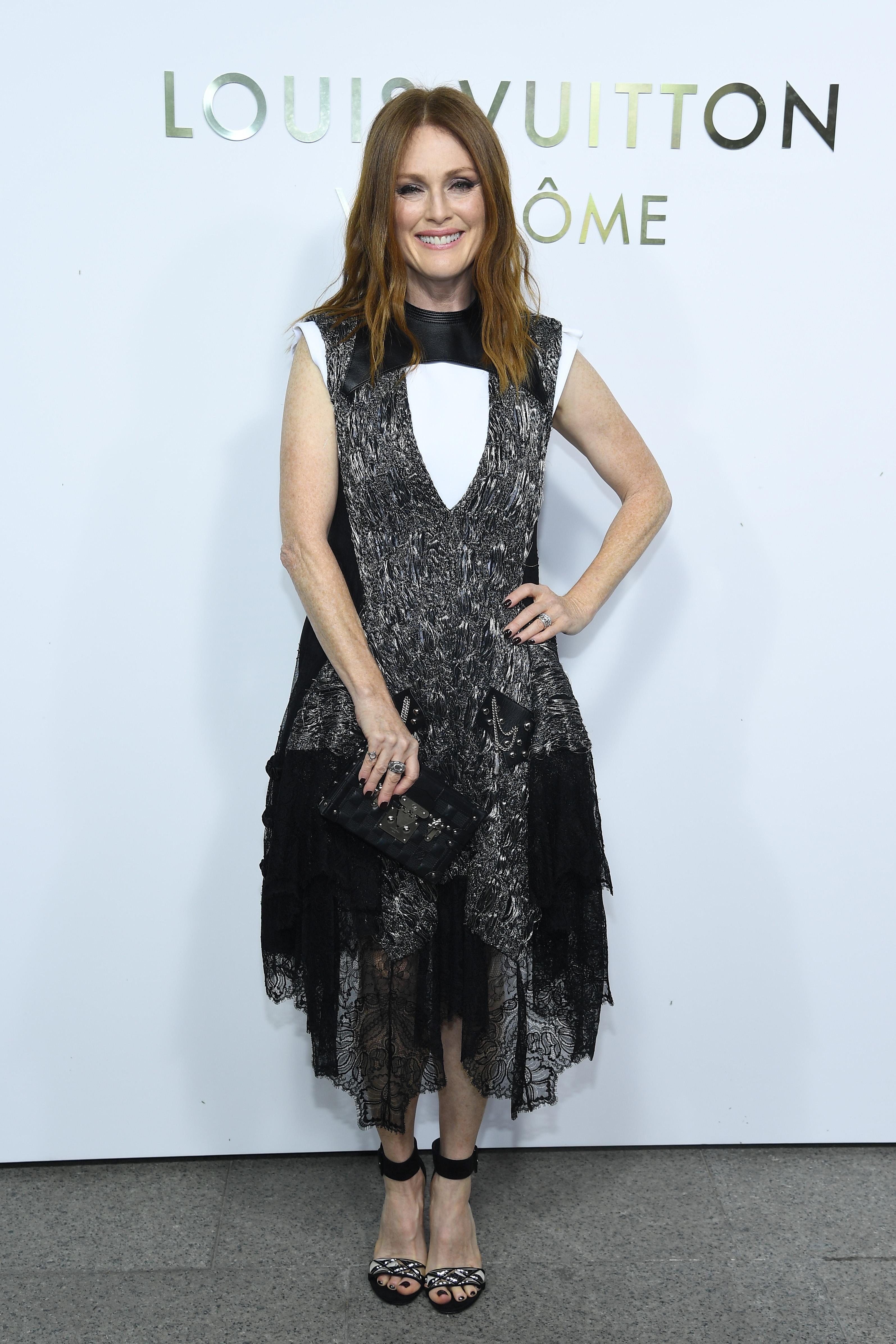 Julianne Moore, looks, estilo, style, Paris
