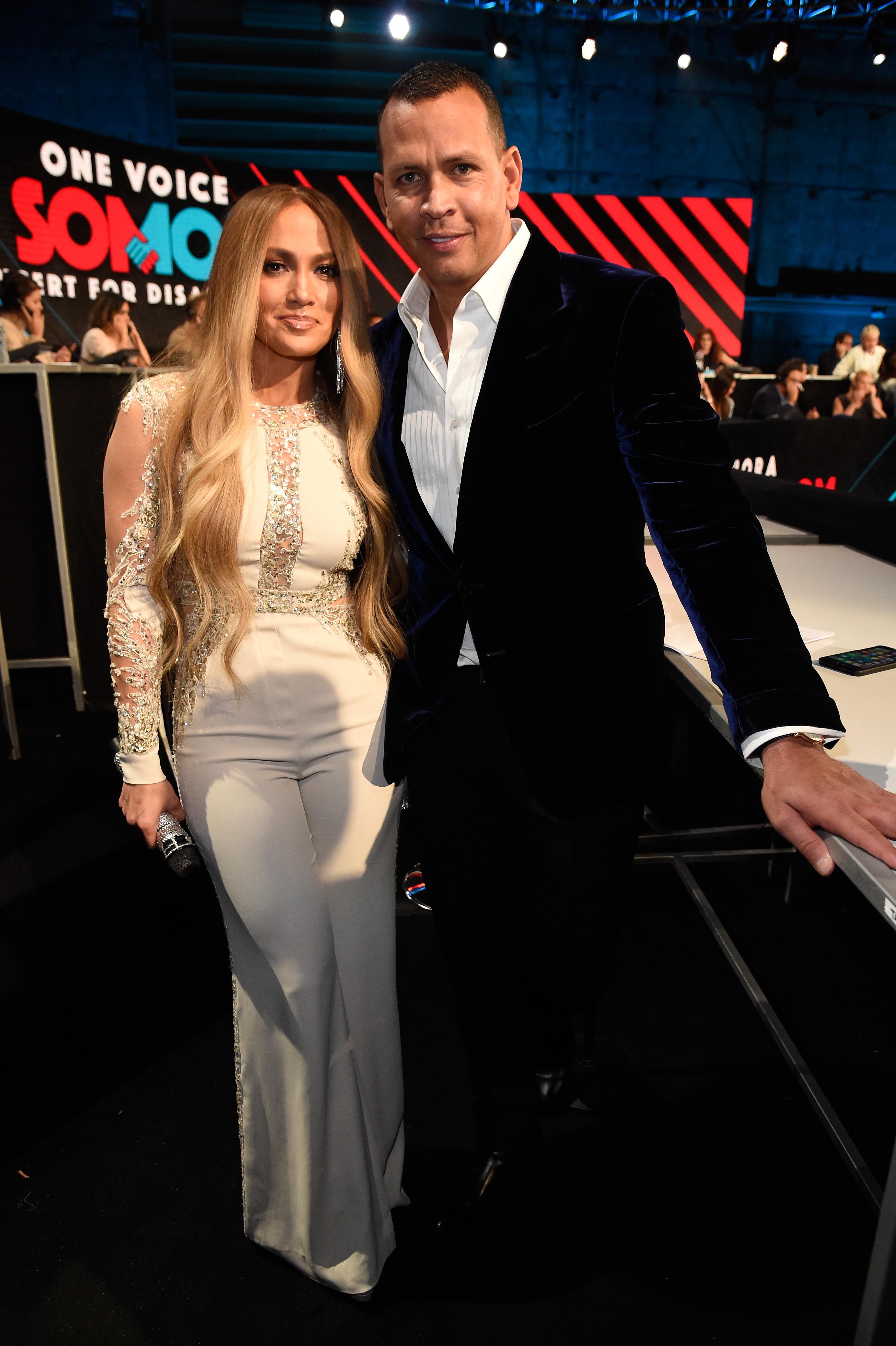 Jennifer Lopez, Jlo, estilo, looks, concierto, Somos una voz