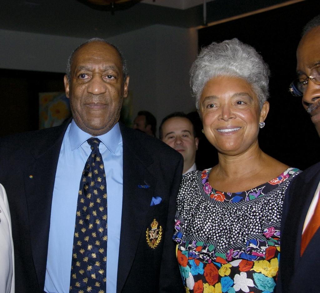 Bill Cosby; y su esposa Camille Cosby