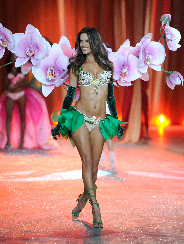 Alessandra Ambrosio, Victoria's Secret, Fantasy Bra