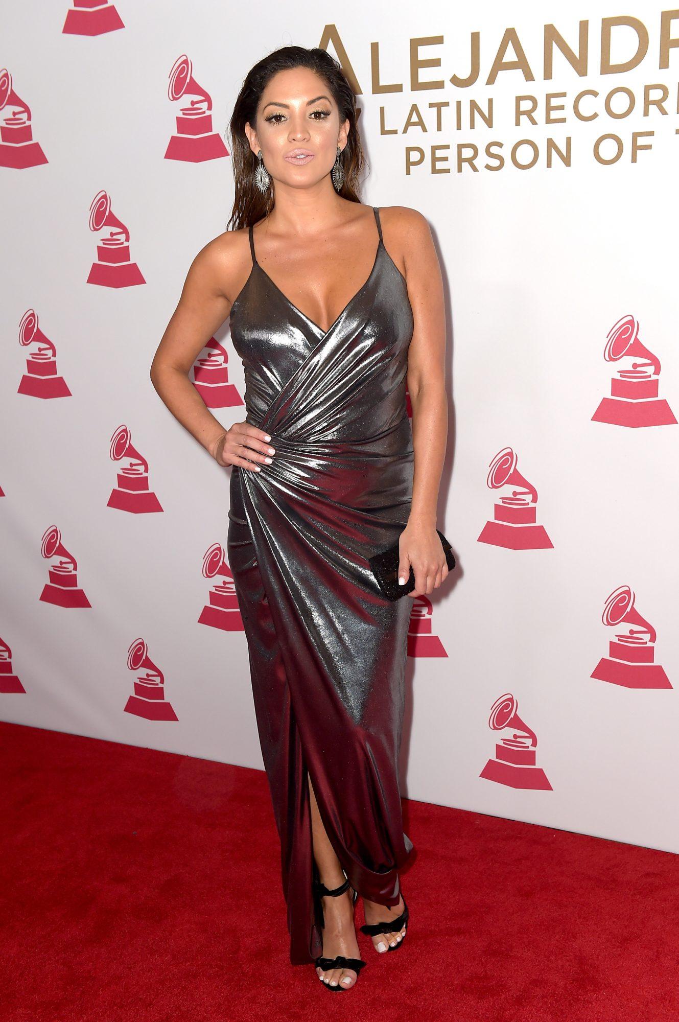 Elizabeth Gutierrez, metalico, pamela silva, mismo vestido