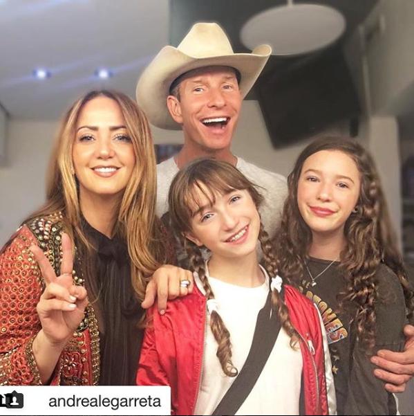 Andrea Legarreta, Erik Rubín, Momentos en familia