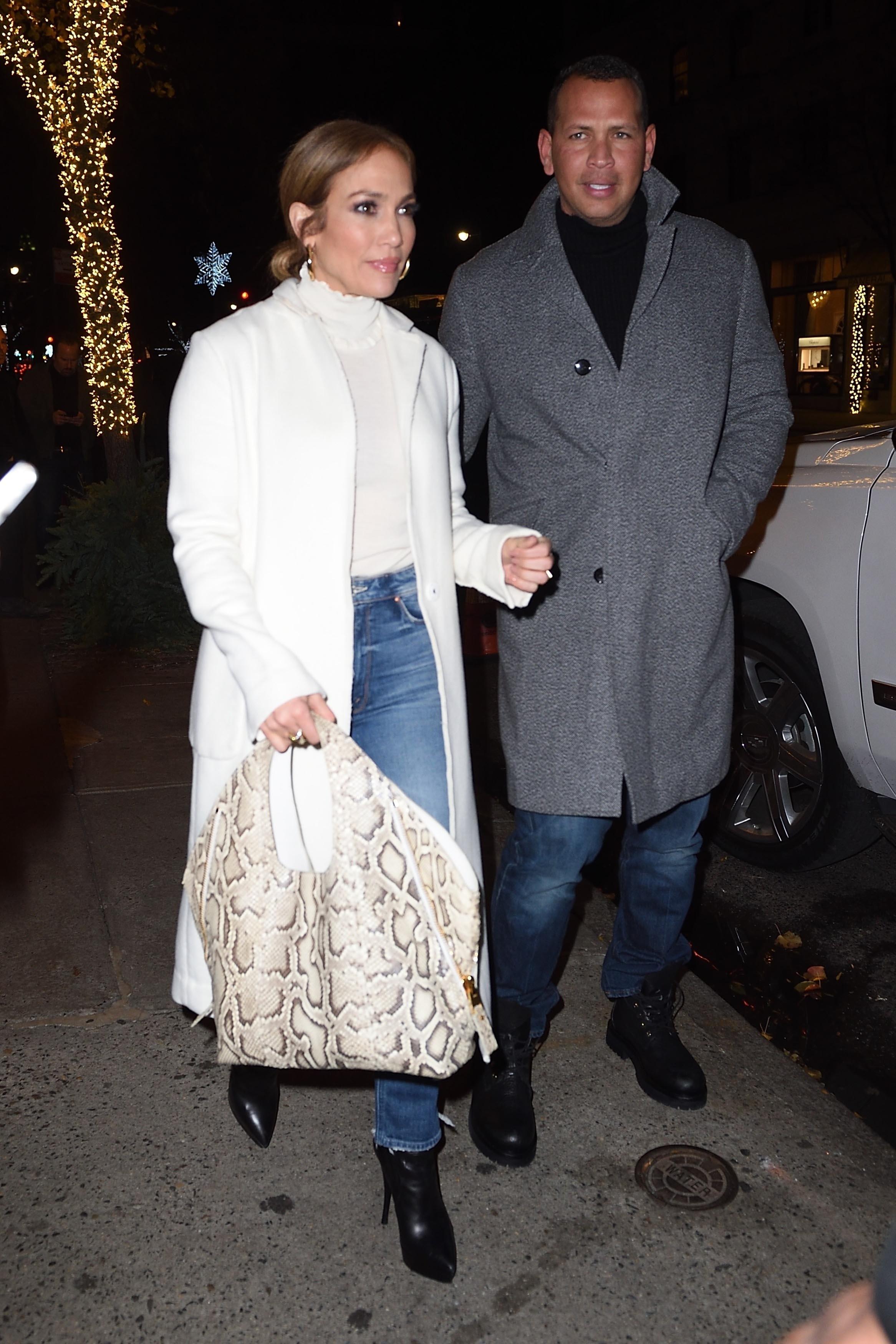 Jennifer Lopez, jlo, looks, estilo, abrigo, coat, blanco, trend