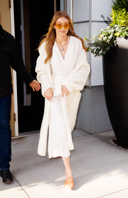 Gigi Hadid, abrigo, blanco, coat, trend