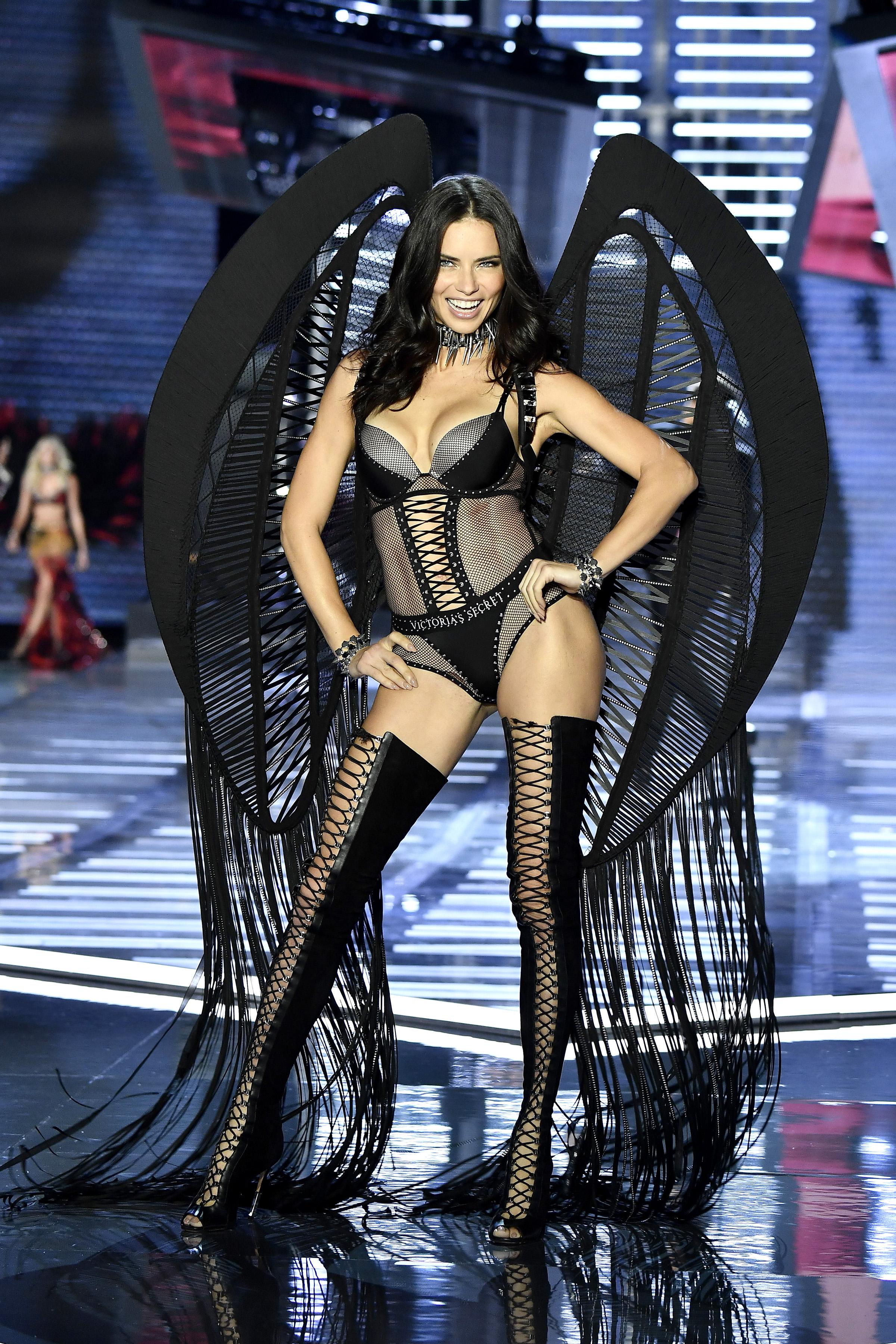 Adriana Lima, Victorias secret, fashion show, show, desfile, china