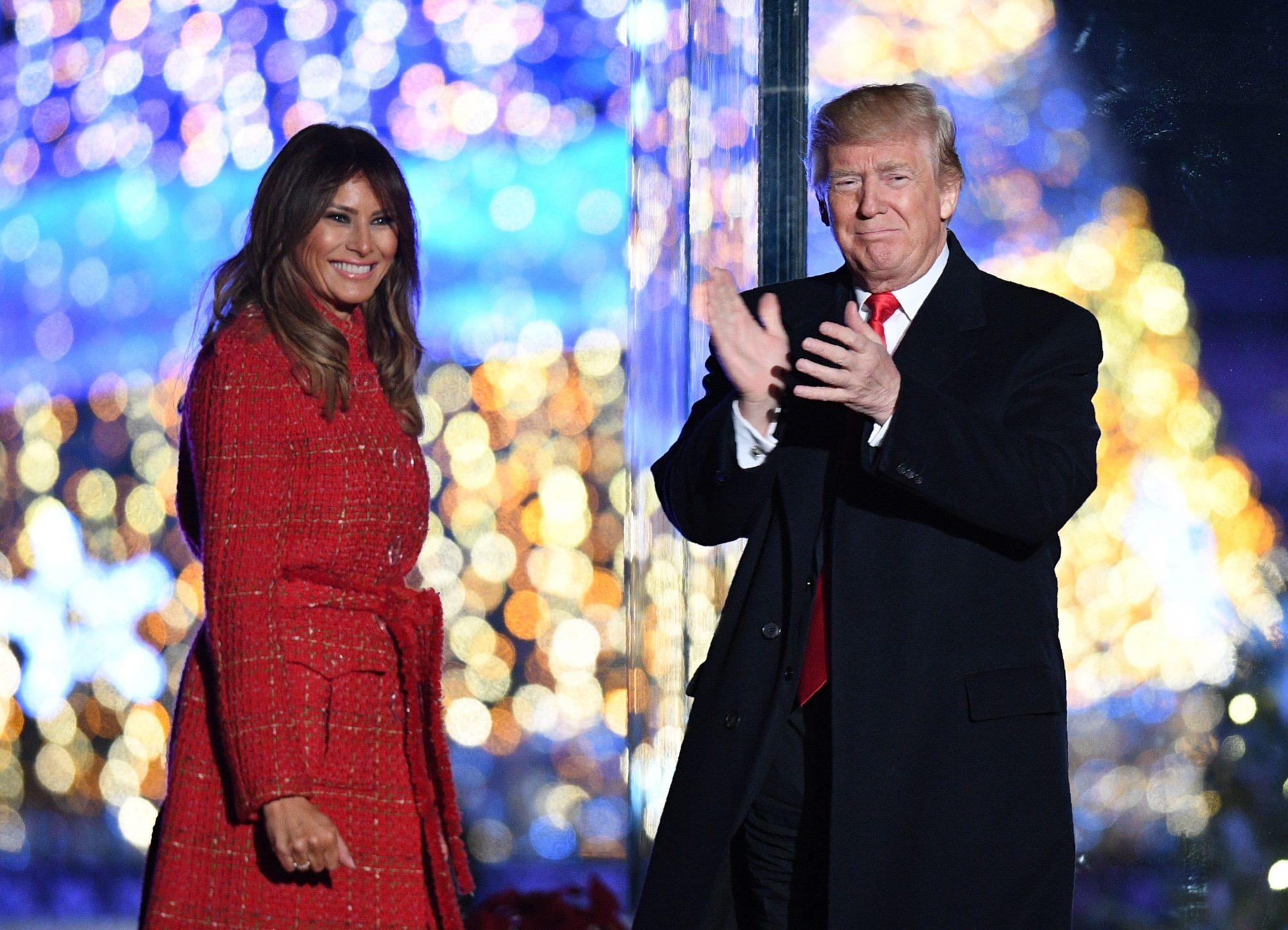 Donald Trump, Melania Trump, abrigo rojo, chanel,