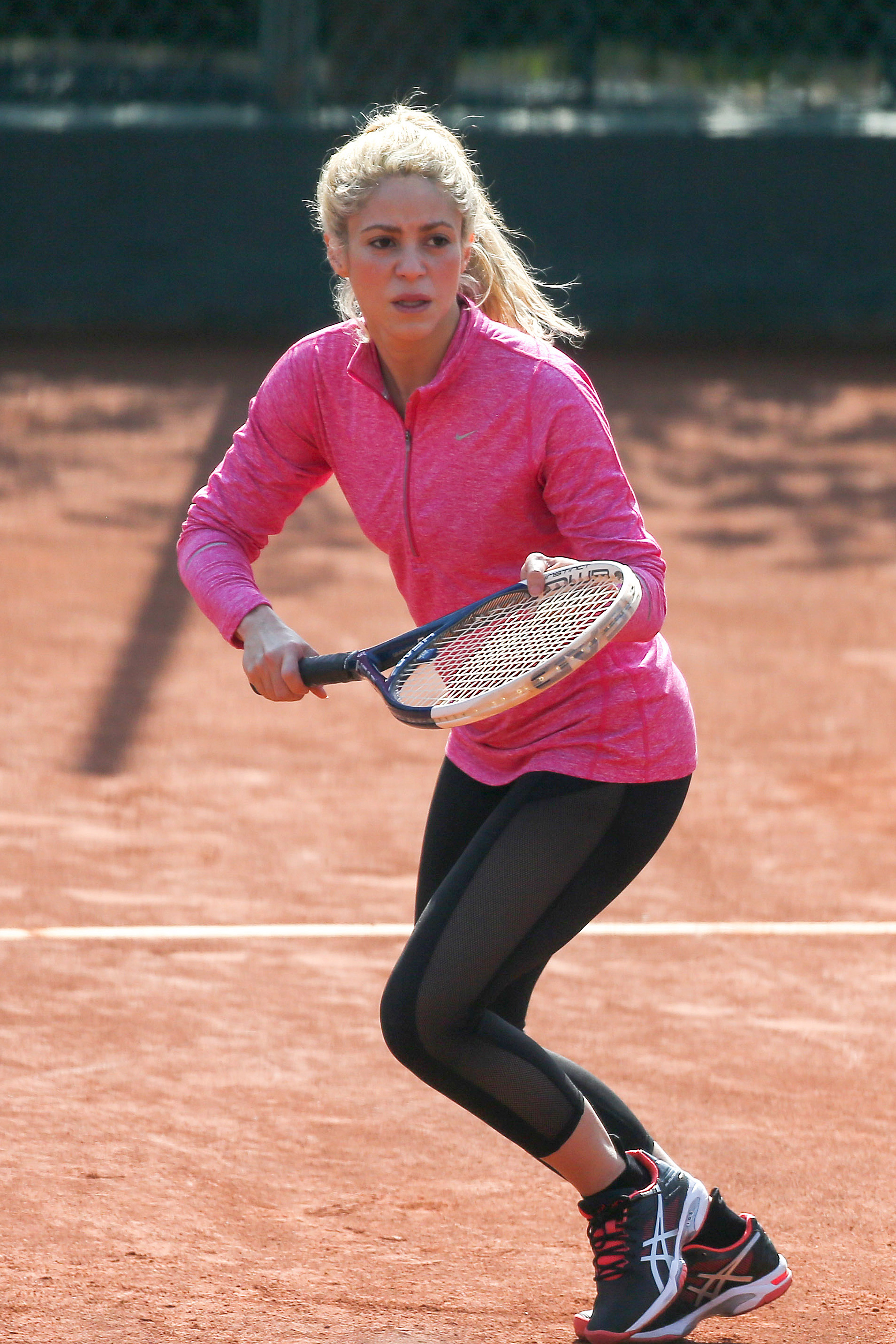 Shakira Practice Her Skills On The Tennis Court As Gerard Pique Watches From Outside