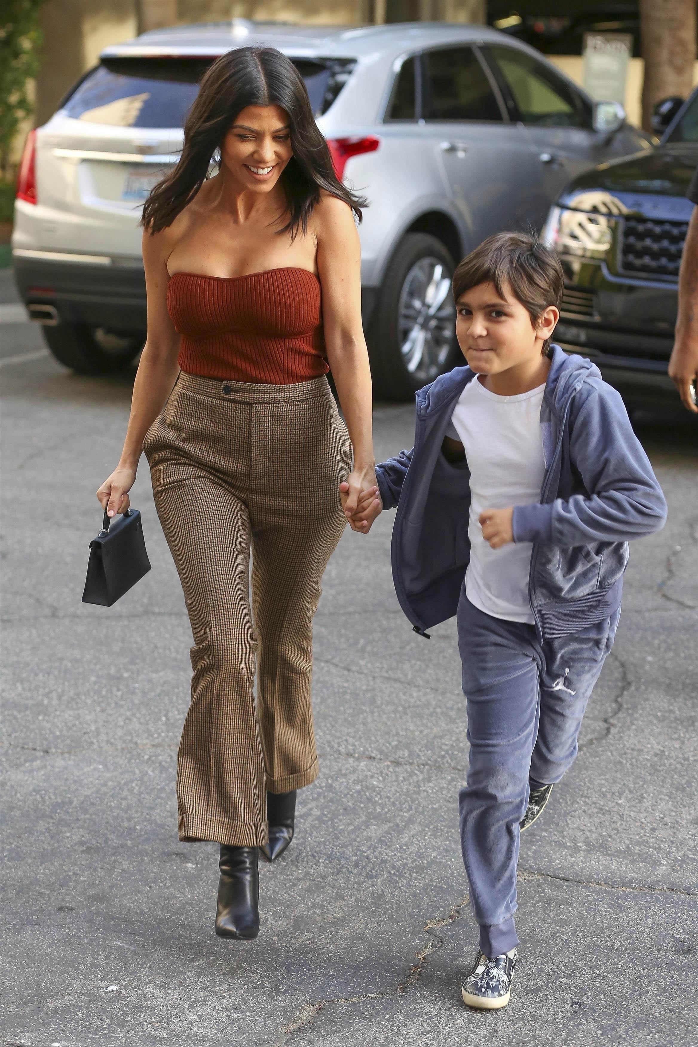 Kourtney Kardashian, looks, estilo, style