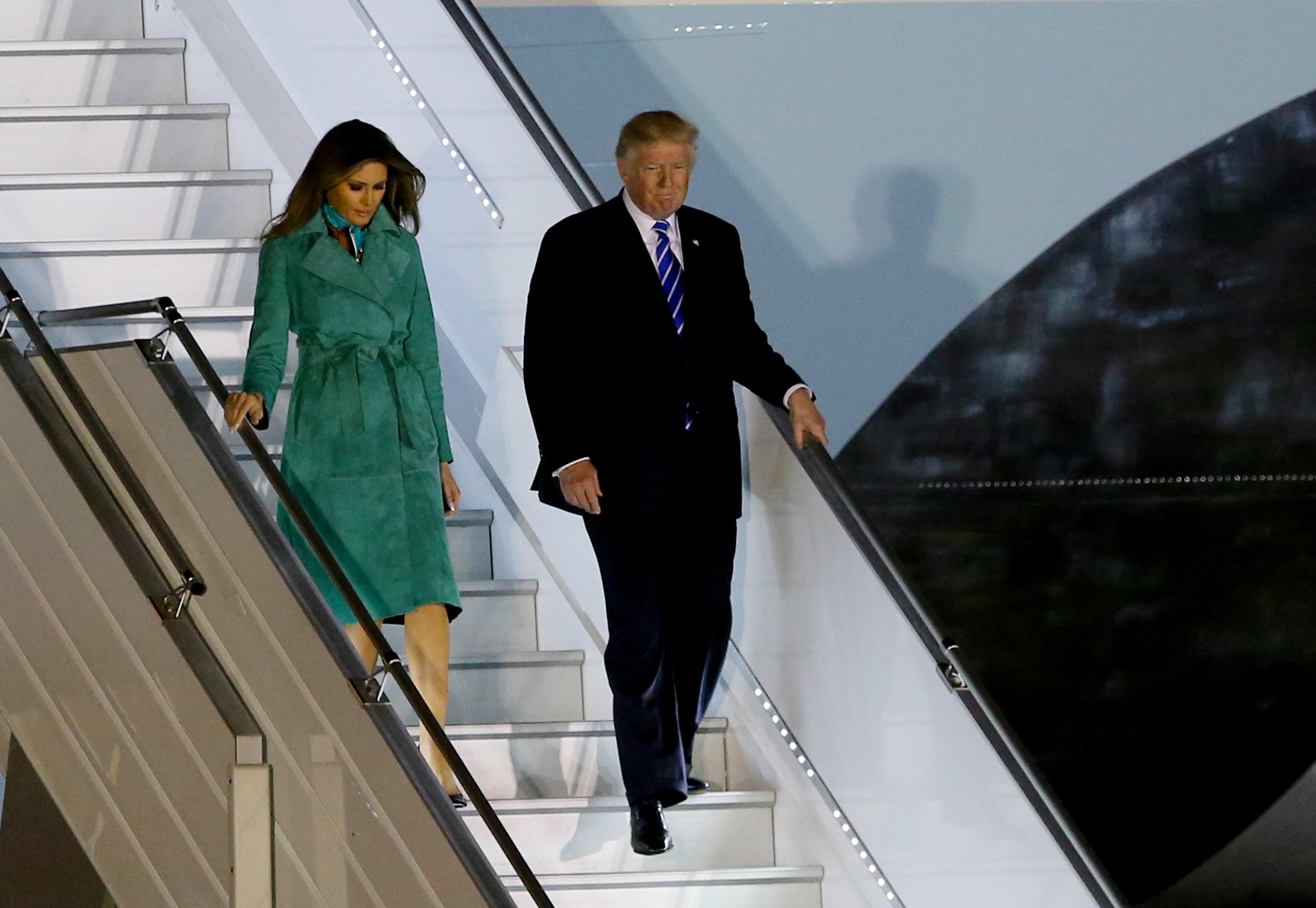 Melania Trump, looks, polonia, alemania, vestido