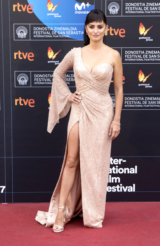 Penelope Cruz, nude, vestidos, alfombra roja