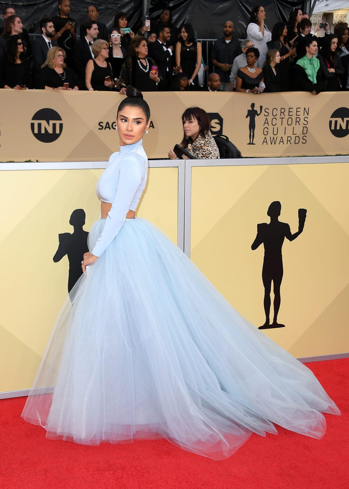 Diane Guerrero, looks, Sag awards, peinado, belleza