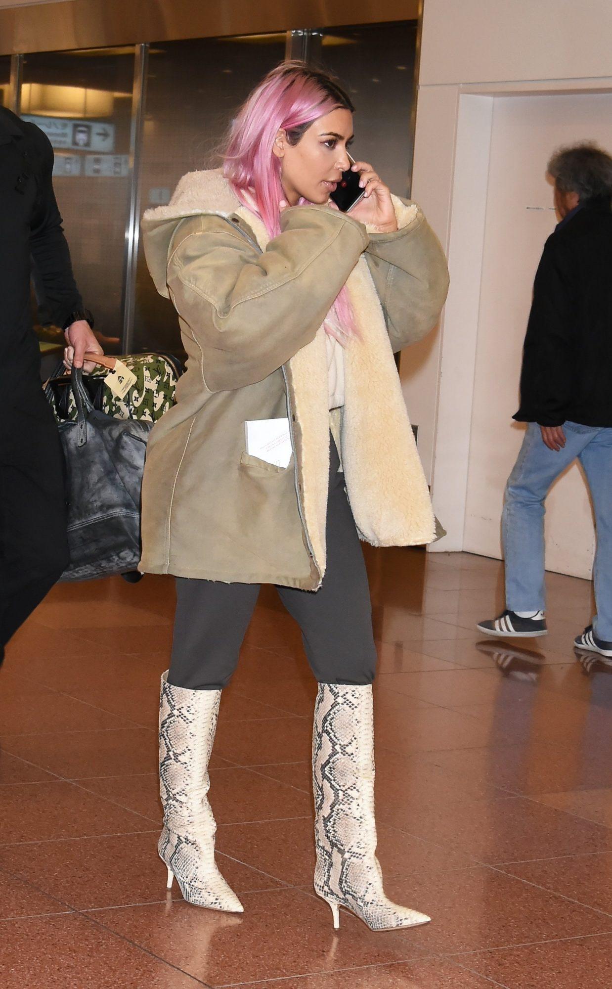 Kim Kardashian, look, cabello, pelo, rosado, cambio