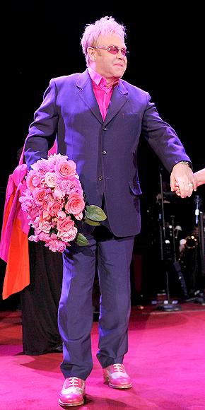 Elton John, Mal gusto