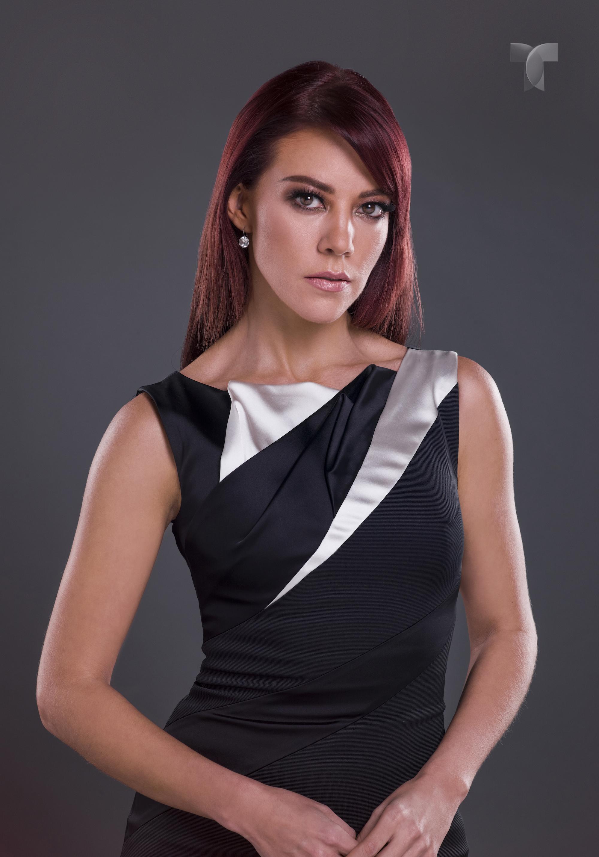 Fernanda Castillo Como Roxana Rodiles_001 copy copia