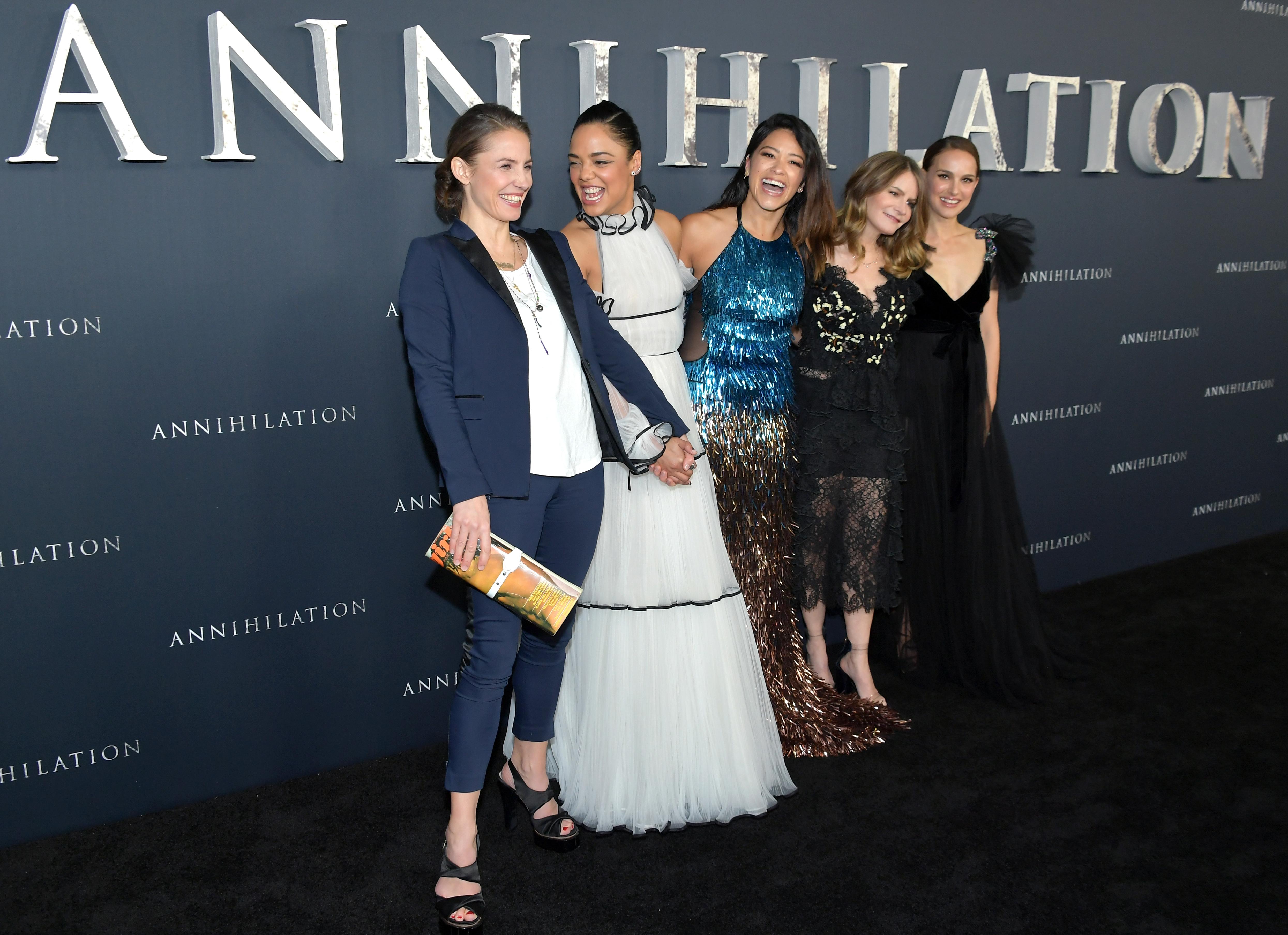 Tuva Novotny, Tessa Thompson, Gina Rodriguez, Jennifer Jason Leigh y Natalie Portman