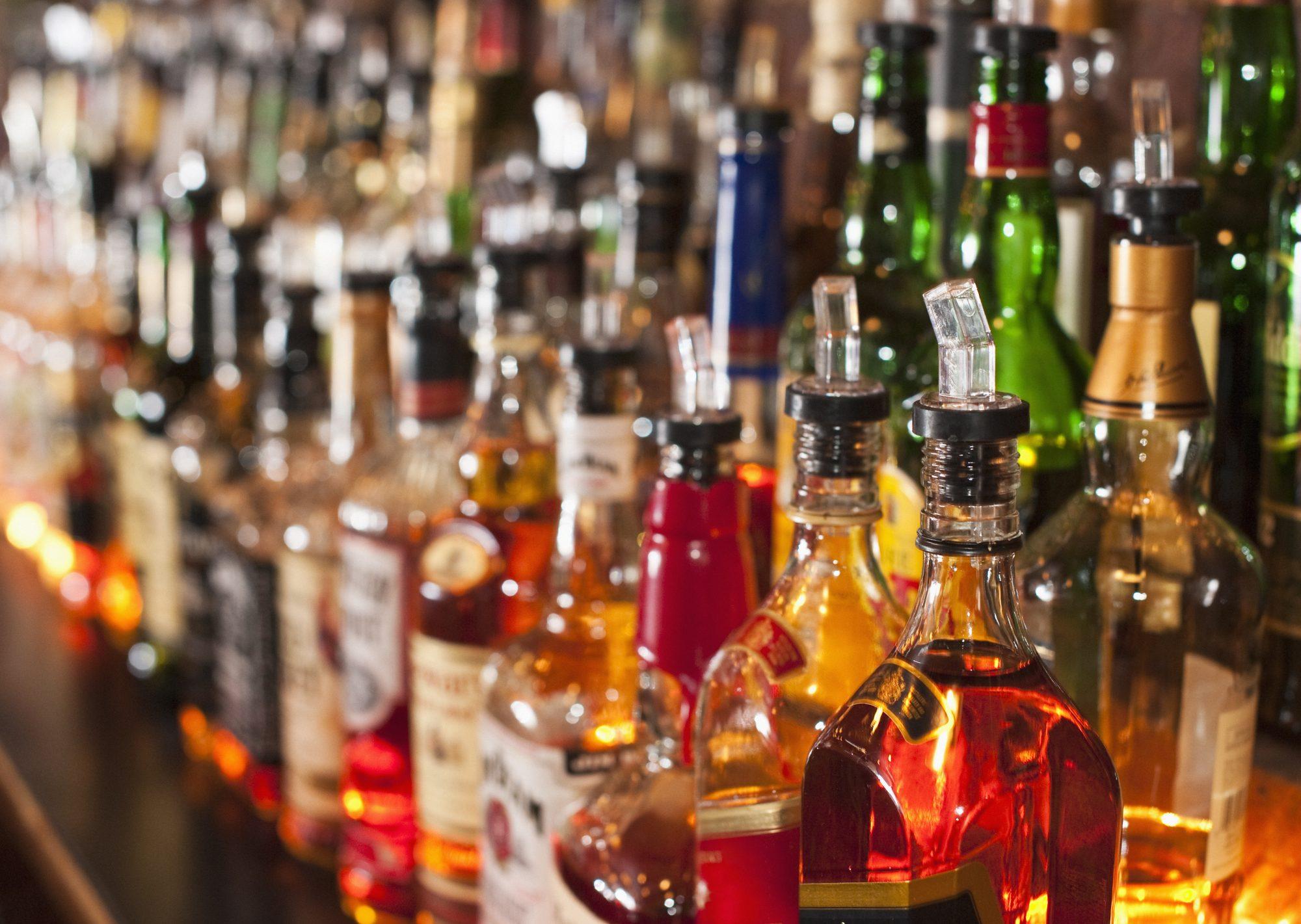 botellas de alcohol