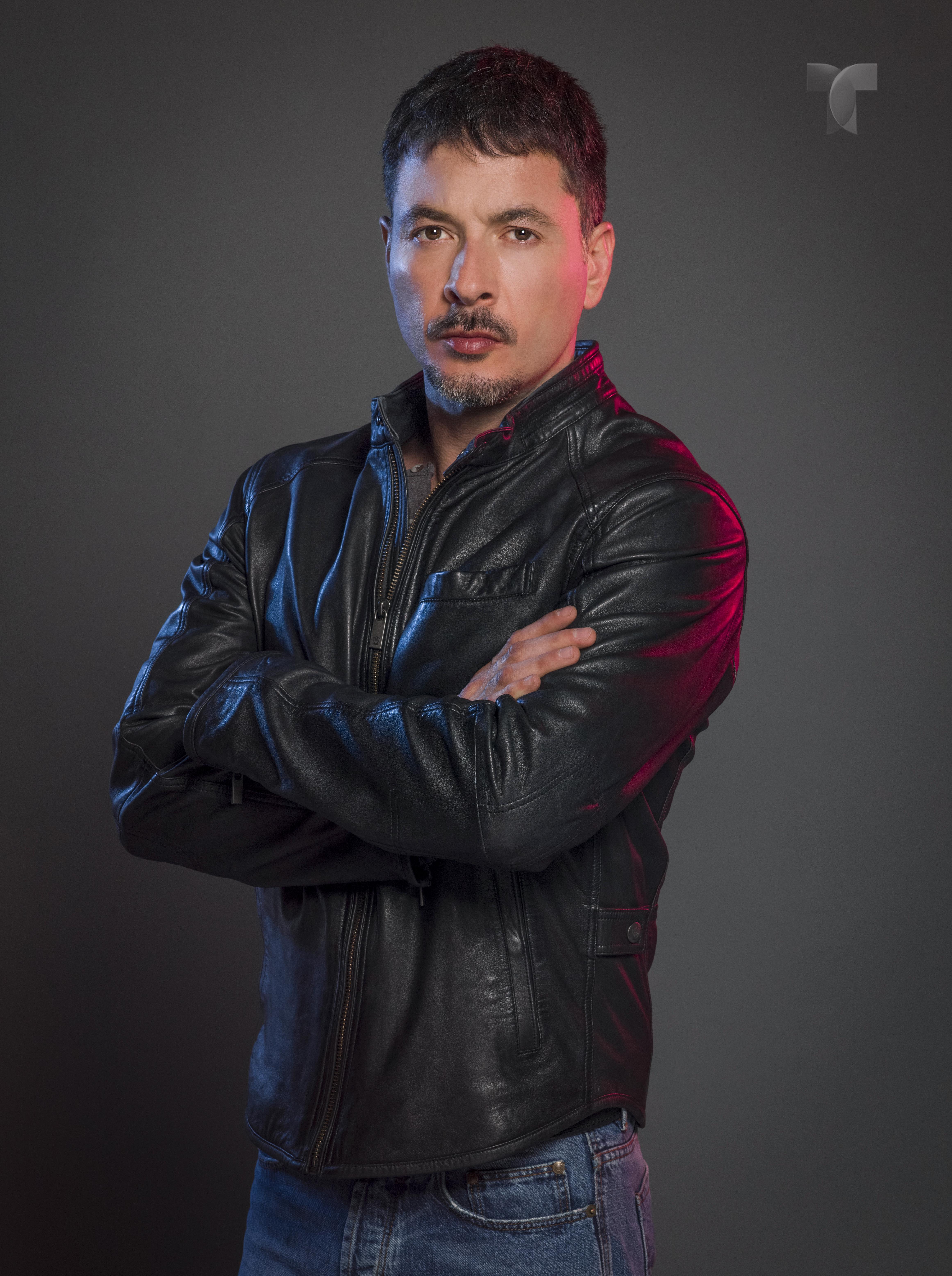 Raúl Méndez como Alejandro Ferrer_001 copy