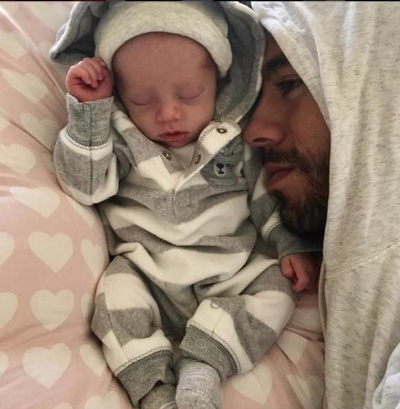 Enrique Iglesias y bebe