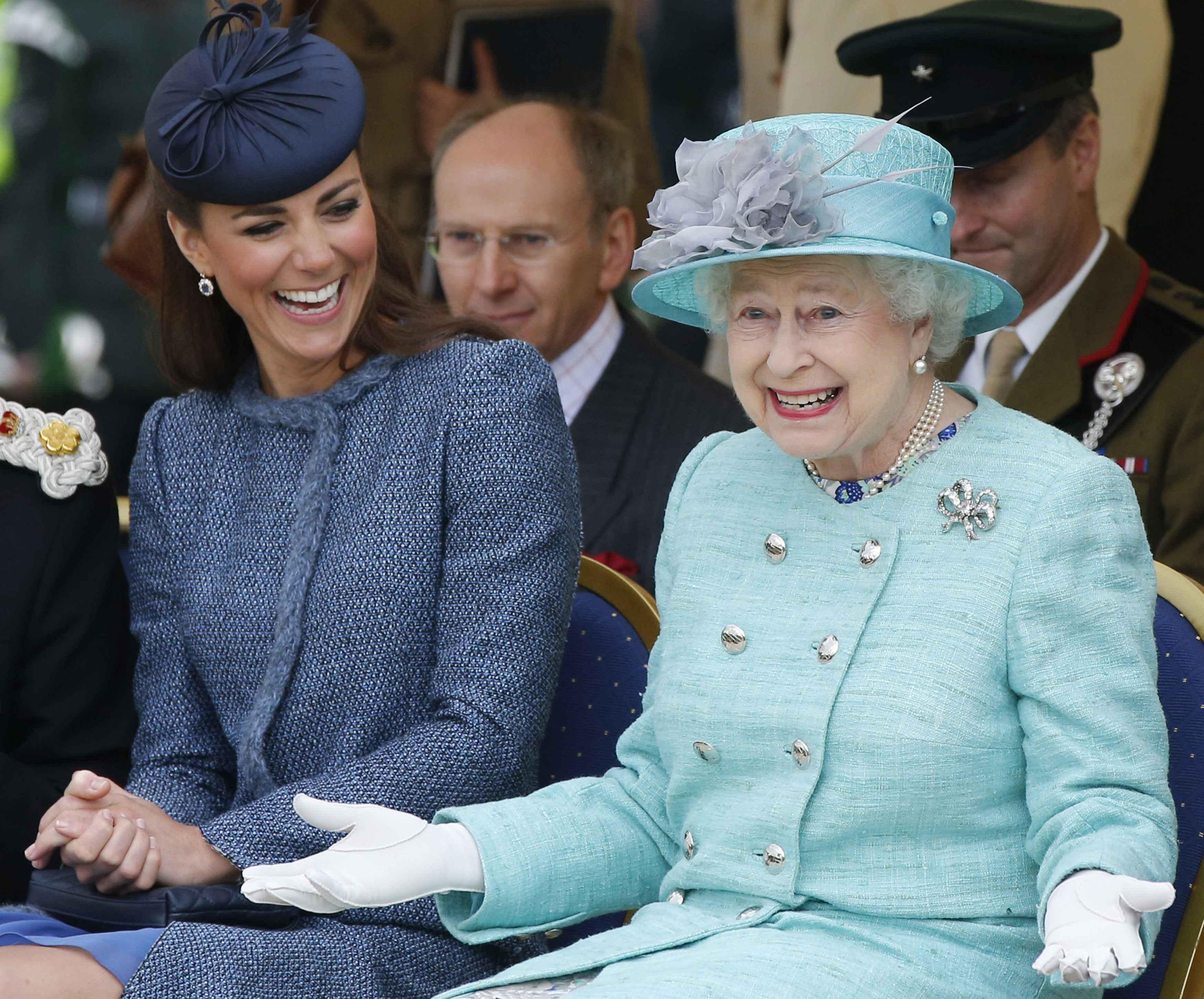 Reina Elizabeth II, kate middleton