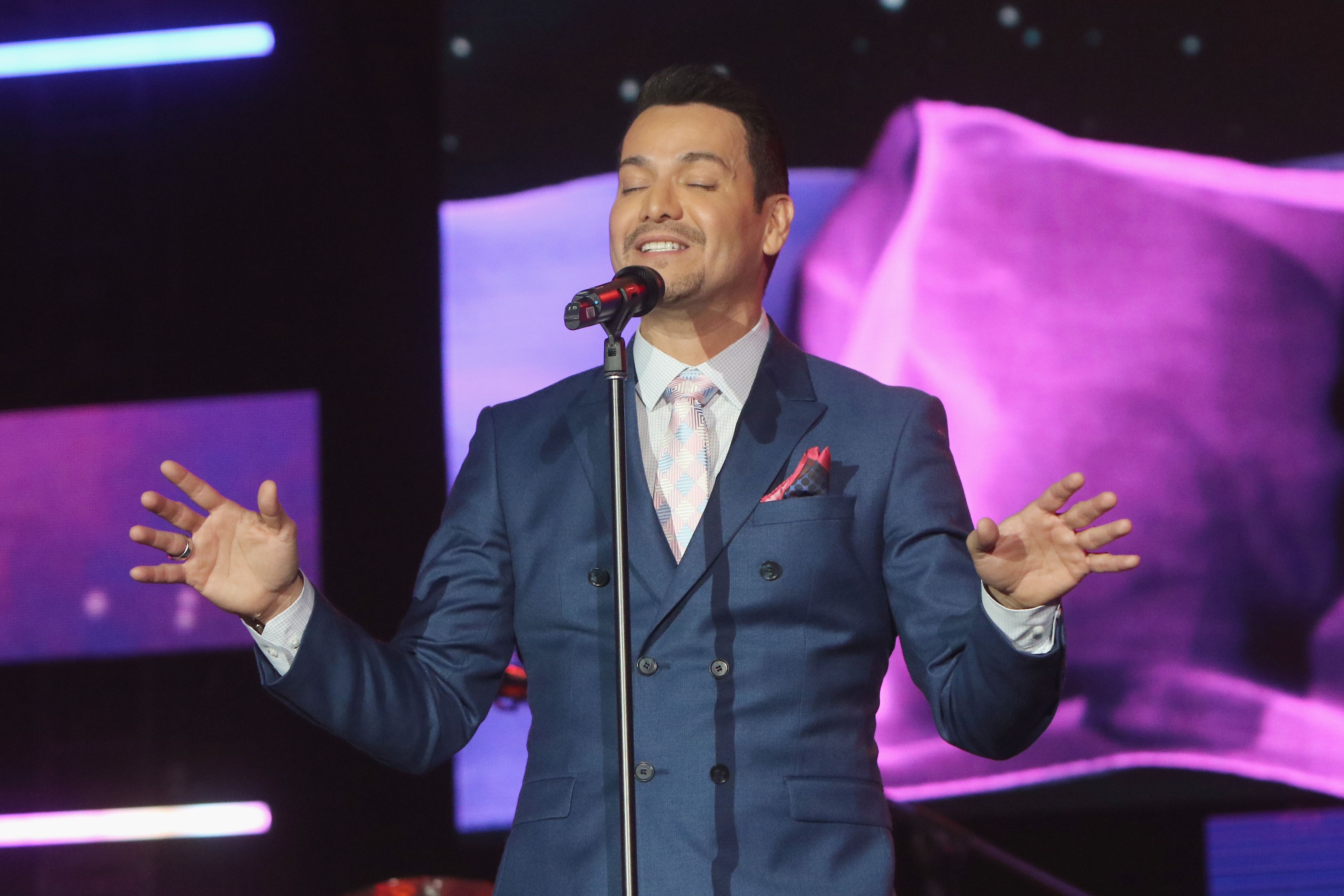 2015 Latin GRAMMY Person Of The Year Honoring Roberto Carlos - Roaming Show