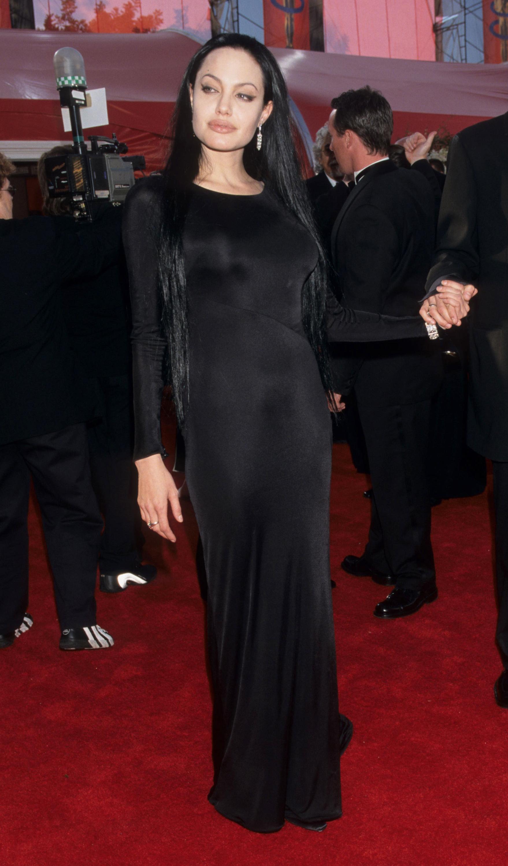Angelina Jolie, peor vestida, los oscar, historia