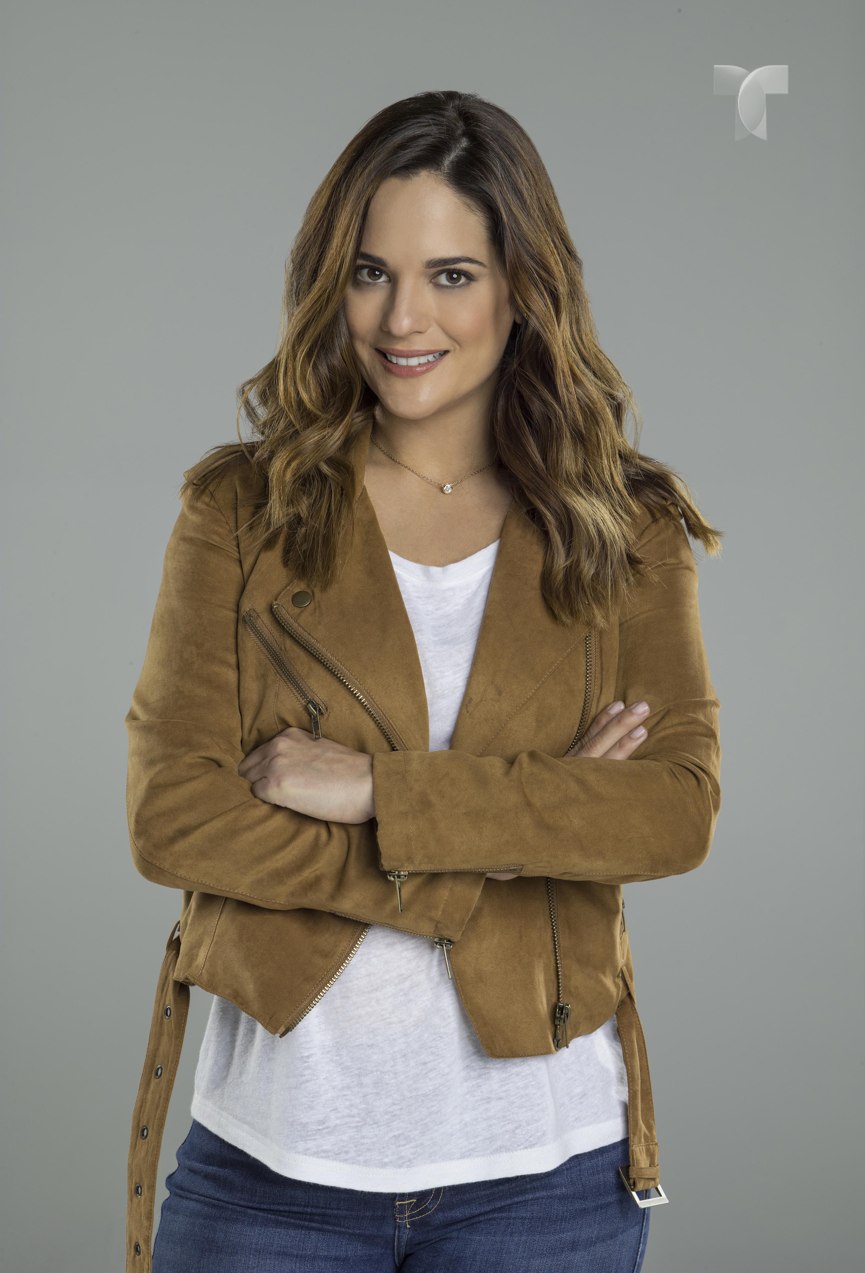 Sabrina Seara como Erika Ramirez_002 copy
