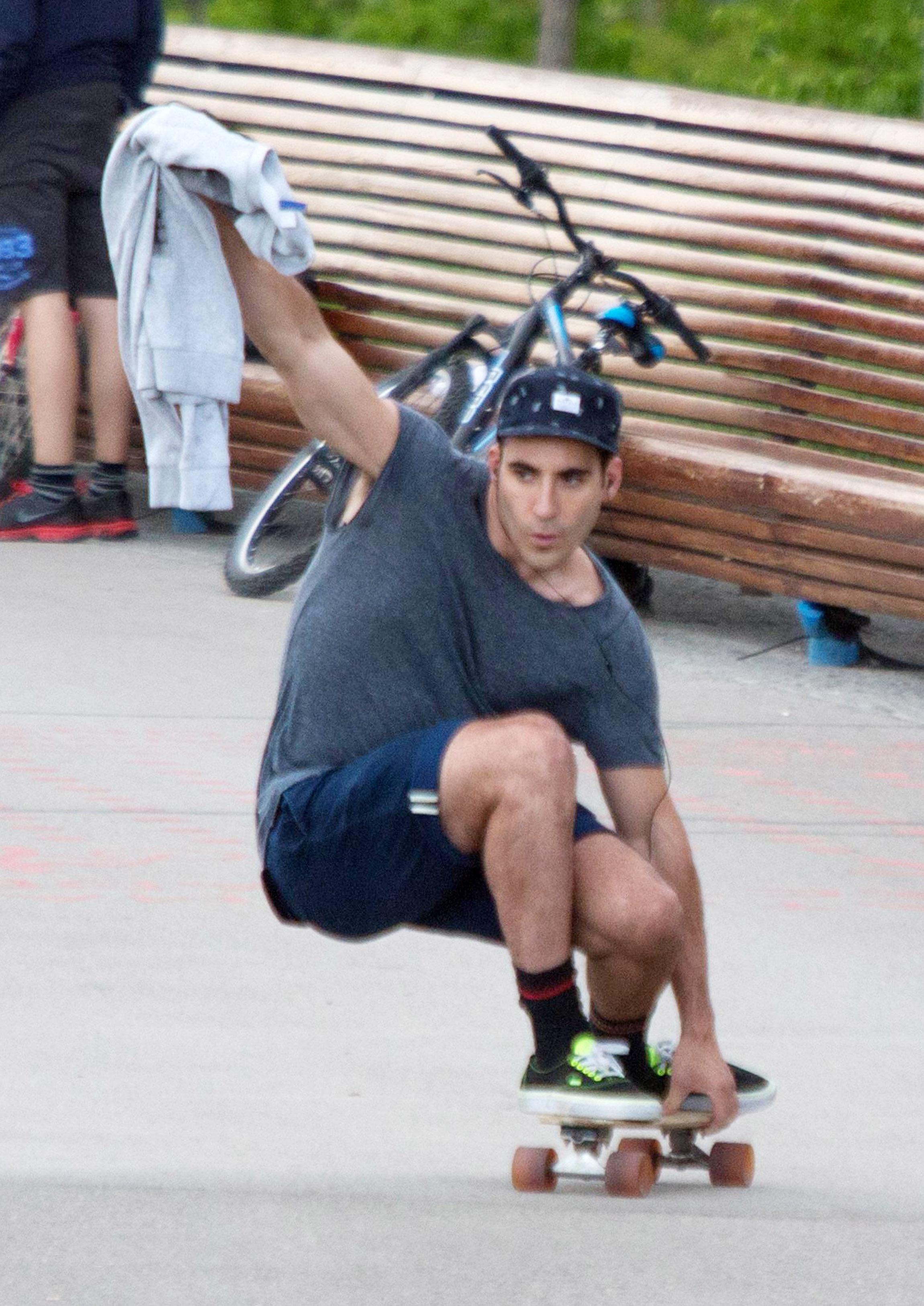 Miguel Angel Silvestre skateboarding