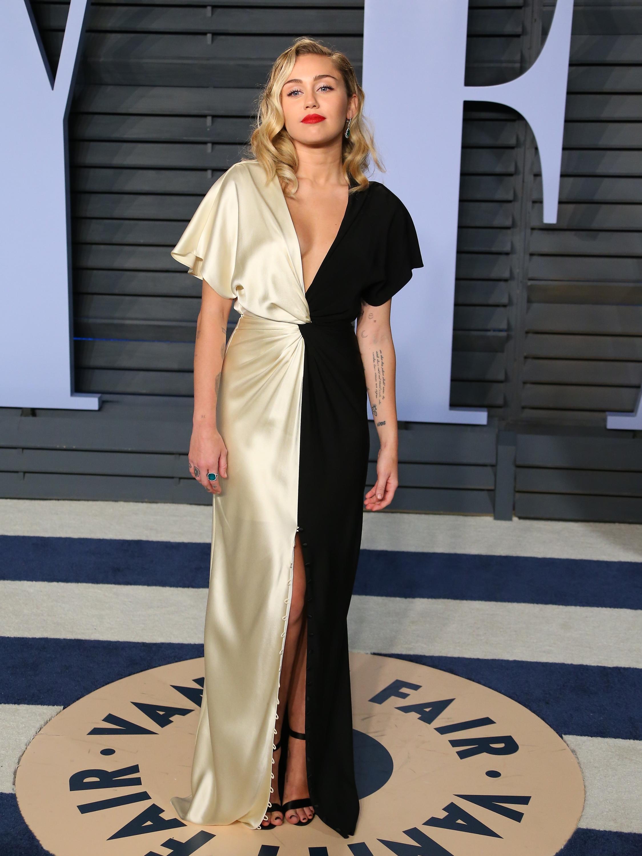 Miley Cyrus, los oscar, vestido, after party, vanity fair